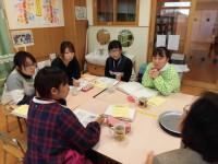 グループになってディスカッション。真剣に自分の保育を語る先生たち。これだから保育はおもしろい。