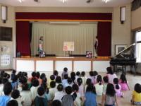 子どもが興味を持てるように工夫された劇。